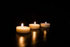 svarta stearinljus för bakgrund Royaltyfria Foton