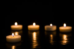 svarta stearinljus för bakgrund Arkivfoton