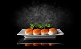 svarta sushi Royaltyfria Foton