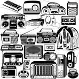 Svarta symboler för radio och för kassett vektor illustrationer