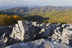 Svarten vaggar berg, den Shenandoah nationalparken Arkivfoton