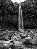 Svartifoss en blanco y negro Foto de archivo libre de regalías