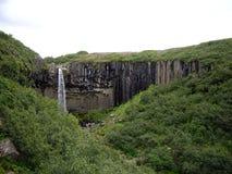 Svartifoss vattenfall, Skaftafell nationalpark, Island Arkivfoton