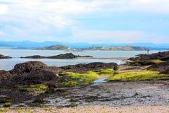 Svartsandstrand, Aberdour, Skottland Royaltyfri Bild