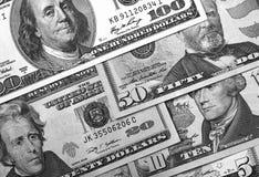 Svartvit abstrakt bakgrund för US dollar Royaltyfria Bilder