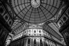 Svartvit bild för Milan Galleria Vittorio Emanuele kupol Royaltyfria Bilder