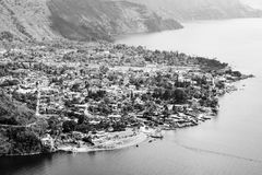 Svartvit flyg- sikt av Panajachel Guatemala Fotografering för Bildbyråer