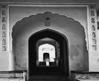 Svartvit fotografikonst för port Arkivbild