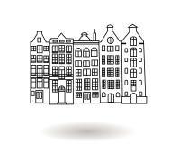 Svartvit hand dragen vektorillustration av flervånings- stadsbyggnader, i stadens centrum hus Arkivfoton