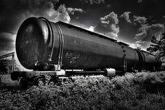 Svartvit hdrjärnväg tankar Fotografering för Bildbyråer