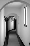 Svartvit korridor Arkivbilder