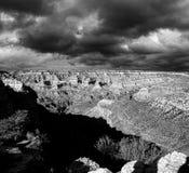 Svartvit molnig dag Grand Canyon Arizona Royaltyfria Foton