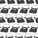 Svartvit sömlös modell med skrivmaskiner, ark av papper Dekorativ bakgrund, objekt för att skriva stock illustrationer