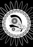 Svartvit teckning för fjäril i den dekorativa ramen, monokrom garnering i tappningstil Royaltyfri Foto
