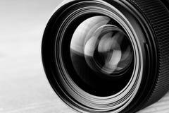Svartvitt foto för Lens reflexion arkivbilder
