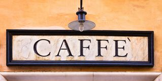 Svegli ed odori il coffe! immagini stock
