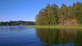 Svensk ö från sjösidan Royaltyfri Fotografi