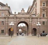 Svensk Parlament byggnad som lokaliseras på Helgeansholmen i mitten av Stockholm Royaltyfri Foto