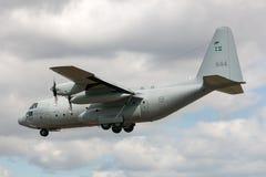 Svenskt flygplan för flygvapenFlygvapnet Lockheed C-130H Hercules militärt transport Arkivfoto