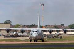 Svenskt flygplan för flygvapenFlygvapnet Lockheed C-130H Hercules militärt transport Royaltyfria Foton