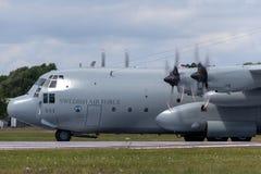 Svenskt flygplan för flygvapenFlygvapnet Lockheed C-130H Hercules militärt transport Royaltyfri Fotografi