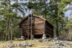 Svenskt traditionellt trähus Arkivbild