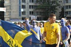 Sverige fans som rotar för deras lag Arkivfoto