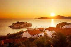 Sveti斯蒂芬海岛在亚得里亚海的黑山 免版税图库摄影