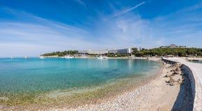 Sveti Andrija ö, också röd ö nära Rovinj, Kroatien fotografering för bildbyråer