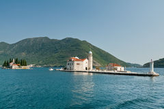 Sveti Dordje y Gospa od Skrpjela. Bahía de Kotor. Foto de archivo