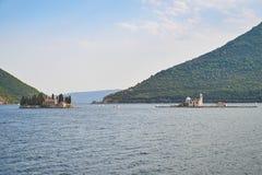 Sveti Drode e la nostra signora delle rocce da Perast, Montenegro Fotografia Stock Libera da Diritti