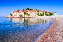Sveti Stefan, Budva, Montenegro und adriatisches Meer Stockfotos