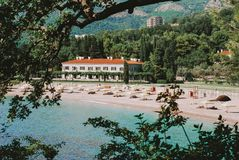 Sveti Stefan - härligt ställe i Montenegro arkivbild