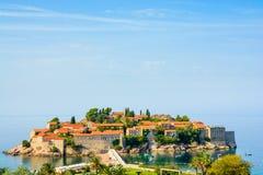 Sveti Stefan Island i Montenegro, Balkans, Adriatiskt hav Royaltyfri Foto