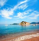 Sveti Stefan Island in Montenegro in adriatischem Meer Stockbild