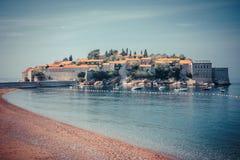 Sveti Stefan Island in Montenegro, Balkan, adriatisches Meer Lizenzfreie Stockfotos