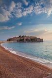 Sveti Stefan, klein eilandje en toevlucht in Montenegro Stock Fotografie