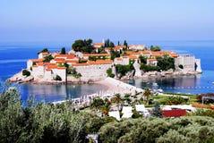 Sveti Stefan, Montenegro - Juli 06, 2014: Aman Sveti Stefan Royaltyfri Foto