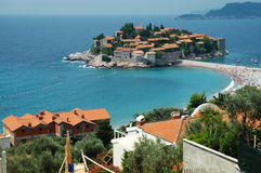 Sveti Stefan peninsule, Montenegro kustlijn Royalty-vrije Stock Fotografie