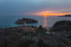 Sveti Stefan Sunset royaltyfria bilder