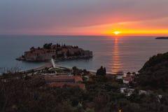 Sveti Stefan Sunset royaltyfri foto