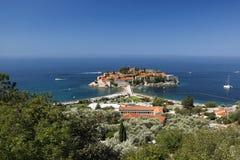 Sveti Stefan wyspa na wybrzeżu Adriatycki morze w Montenegro fotografia stock