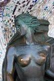 SVETLOGORSK, KALININGRAD region ROSJA, LUTY, - 27, 2011: Brązowa rzeźba boginka zdjęcie stock
