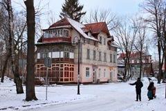 SVETLOGORSK, KALININGRAD region ROSJA, LUTY, - 13, 2011: Stary poprzedni niemiecki budynek obraz royalty free