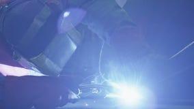Svetsning av ett stål särar med gasbågsvetsning Royaltyfria Bilder