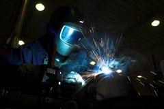 svetsning för welder för metalldel Royaltyfria Bilder