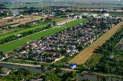 Sviluppo del territorio ed alloggiare fotografia aerea Fotografia Stock