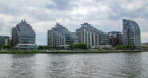 Sviluppo immobiliare contemporaneo a Londra ad ovest Immagine Stock