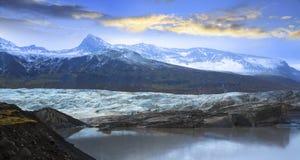 Svinafellsjokull Svinafell glaciär, Island Arkivbilder
