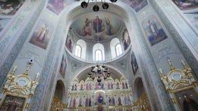 Sviyazhsk, Ταταρία, Ρωσία, στις 19 Ιουλίου 2017, άνθρωποι μέσα στο ορθόδοξο μοναστήρι του ST John ο βαπτιστικός φιλμ μικρού μήκους